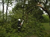 Powiat: Strażacy usuwają skutki burzy