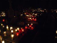 Godziny nabożeństw na cmentarzach 1 listopada