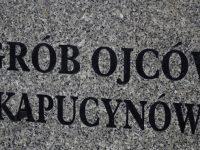 Bracia Mniejsi Kapucyni pochowani na zakroczymskiej nekropolii