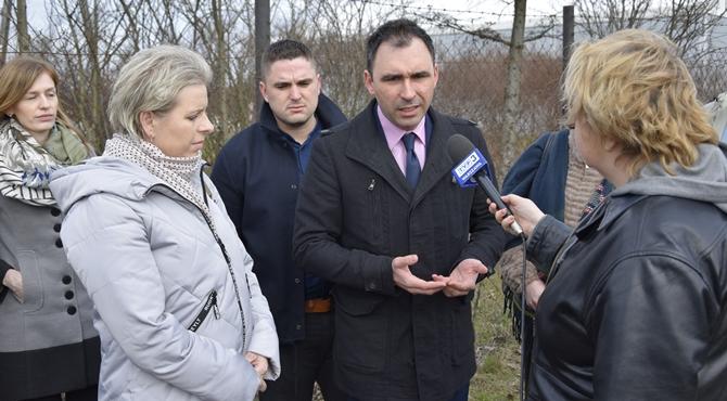 Zakroczym: Kurier Mazowiecki TVP na składowisku odpadów