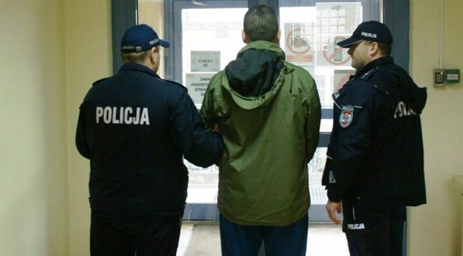 Nowy Dwór Maz: Areszty za rozbój