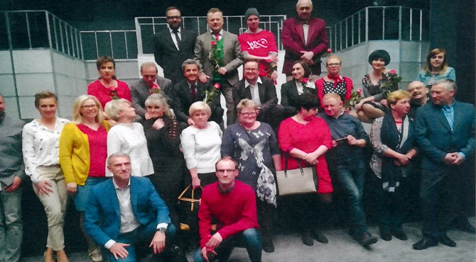 Czosnów: Członkowie stowarzyszenia MOC w teatrze