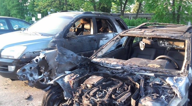 Nowy Dwór Maz: W nocy spłonęły samochody