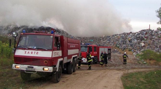 Jaskółowo: 62 zastępy przez 67 godzin gasiły pożar wysypiska śmieci