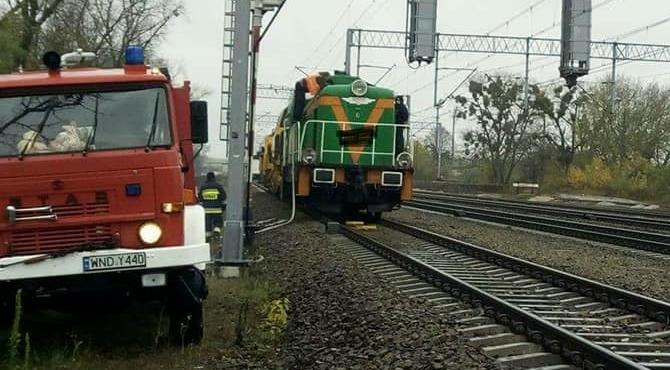 Nowy Dwór Maz: Strażacy pomogli przy awarii lokomotywy