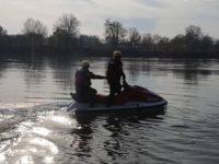Czarnowo: Policjanci zabezpieczyli łódź na Narwi