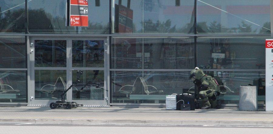 Lotnisko: Bagaż pozostawiony bez opieki. Ewakuacja terminala