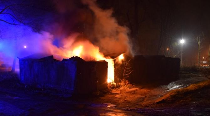 Modlin Twierdza: Spłonęły garaże przy kościele